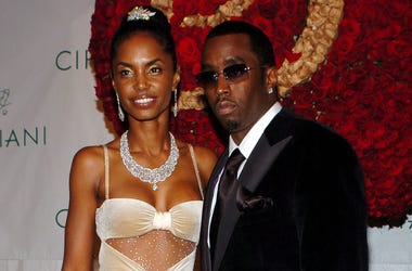 "KRT ENTERTAINMENT STAND ALONE PHOTO SLUGGED: PDIDDYBIRTHDAYBALL KRT PHOTOGRAPH BY NICOLAS KHAYAT/ABACA PRESS (November 5) Sean ""P. Diddy"" Combs and his girlfriend Kim Porter attend the ""P. Diddy Royal Birthday Ball"" celebrating P. Diddy's 35th birthday, h"