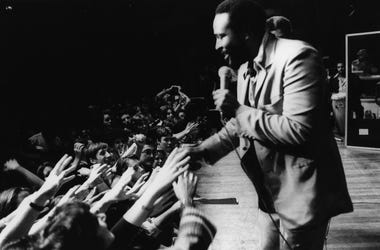 29th September 1976: Soul singer Marvin Gaye (1939 - 1984) in concert at the Royal Albert Hall. (Photo by Evening Standard/Getty Images)
