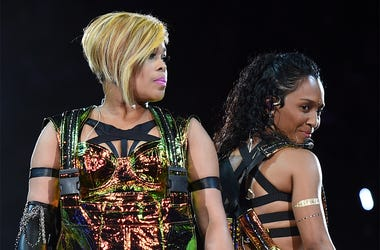 "LAS VEGAS, NV - MAY 01: Recording artists Tionne ""T-Boz"" Watkins (L) and Rozonda ""Chilli"" Thomas of TLC perform during the kickoff of The Main Event tour at the Mandalay Bay Events Center on May 1, 2015 in Las Vegas, Nevada. (Photo by Ethan Miller/Getty I"