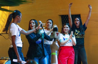 """Zoe Saldana, from left, Eva Longoria, Gina Rodriguez, America Ferrera and Rosario Dawson join the New Florida Majority, the Florida Immigrant Coalition, the Center for Popular Democracy Action and the Latino Victory Project to host """"Latinas en Marcha,"""" a"""