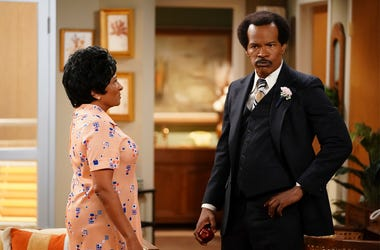 "This image released by ABC shows Wanda Sykes as Louise Jefferson, left, and Jamie Foxx as George Jefferson in ""Live in Front of a Studio Audience: Norman Lear's 'All in the Family' and 'The Jeffersons',"" special which aired on Wednesday, May 22. (Eric McC"