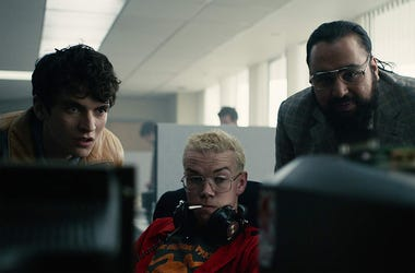 Fionn Whitehead, Will Poulter and Asim Chaudhry in 'Black Mirror: Bandersnatch' (Photo credit: Netflix)