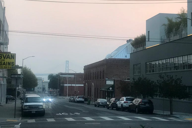 View from Battery and Vallejo Streets of smokey air around Bay Bridge (Photo credit: Nic Palmer/KCBS Radio)