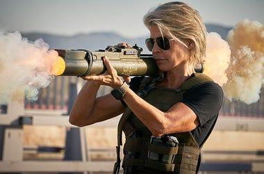 Linda Hamilton in 'Terminator: Dark Fate' (Photo credit: Paramount Pictures)