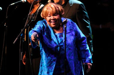 """Singer Mavis Staples performs at the Apollo Theater to celebrate the release of her new album """"We Get By,"""" on Thursday, May 9, 2019, in New York, (Photo by Brad Barket/Invision/AP)"""