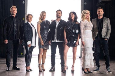 "Cast of ""BH: 90210"" - Ian Ziering, Gabrielle Carteris, Jennie Garth, Jason Priestley, Shannen Doherty, Tori Spelling and Brian Austin Green (Photo credit: Fox)"
