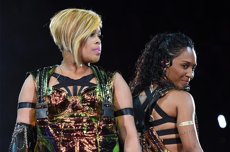"""LAS VEGAS, NV - MAY 01: Recording artists Tionne """"T-Boz"""" Watkins (L) and Rozonda """"Chilli"""" Thomas of TLC perform during the kickoff of The Main Event tour at the Mandalay Bay Events Center on May 1, 2015 in Las Vegas, Nevada. (Photo by Ethan Miller/Getty I"""