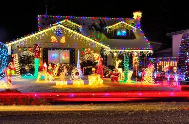 Group Therapy: Mark Owens has a neighbor with Christmas Lights that are too bright