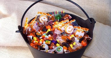 How to avoid the candy binge on Halloween