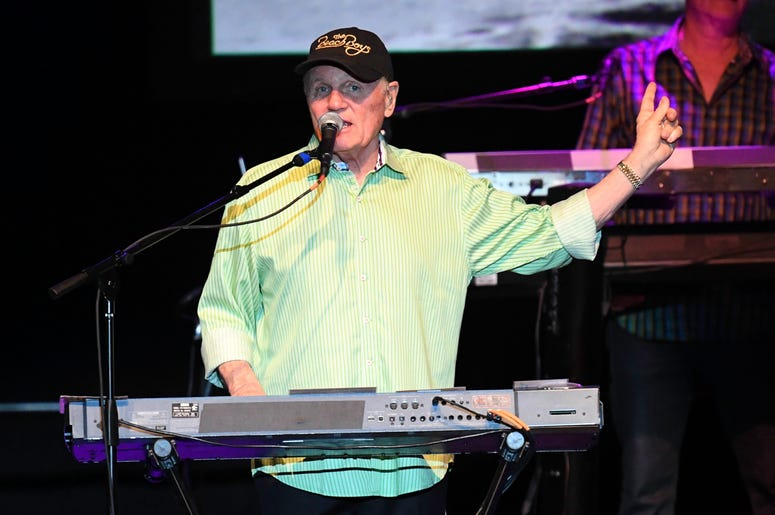 Beach_Boys_Entercom_WMXJ_The_Beach_Miami_102_7