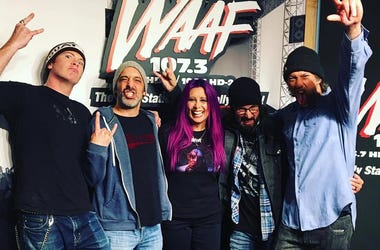 Rubikon in the WAAF studio with Mistress Carrie