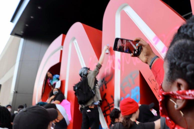 Protesters Damage CNN Bldg_3_Amanda Cooper.jpg