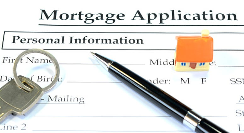 Getty Images filling out Mortgage App.