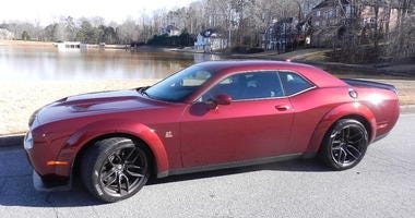 Dodge Challenger R/T Scat Pack Plus