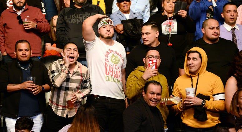 Fans at Chavez Jr. vs Jacobs