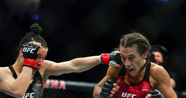 Zhang fights Jedrzejczyk