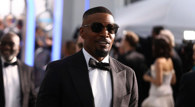 Jamie Foxx tricks pre-Super Bowl gala crowd with 'Beyoncé'