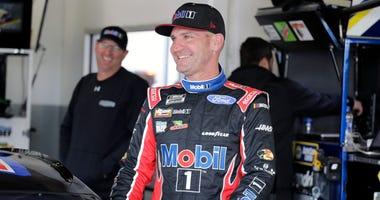 NASCAR funnyman Bowyer expands Fox gig