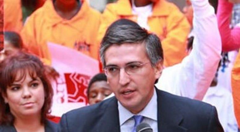 Alderman Ricardo Munoz
