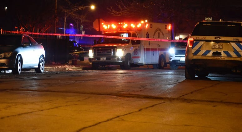 2 men fatally shot during robbery in Chinatown