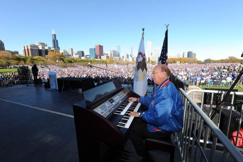 Gary Pressy at Cubs Rally