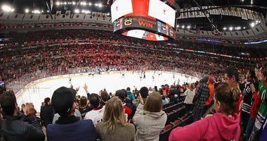 Blackhawks Crowd V Sharks March 11