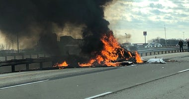 Three people are dead after small airplane crashed on I-55 in downstate Lincoln Tuesday morning.