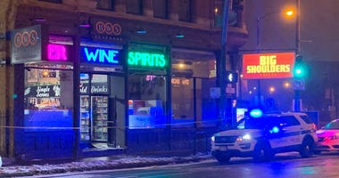 Police investigate a robbery at BWS Beverage, 790 N. Milwaukee Ave. Jan. 23, 2020 in River West.