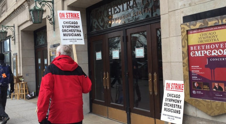 Chicago Symphony Orchestra Musicians Go On Strike
