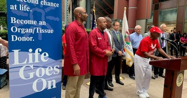 Secretary of State Jesse White hosted an event Tuesday to promote organ/tissue donation for multicultural communities, as part of the National Minority Donor Awareness Week.