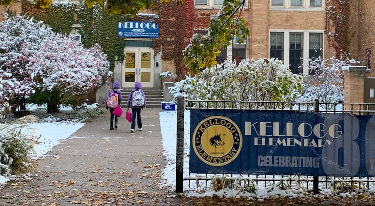 Thousands of parents may have been smiling a bit more Fridayin Chicago, as their children returnedto school after missing 11 class days because of a teachers' strike.