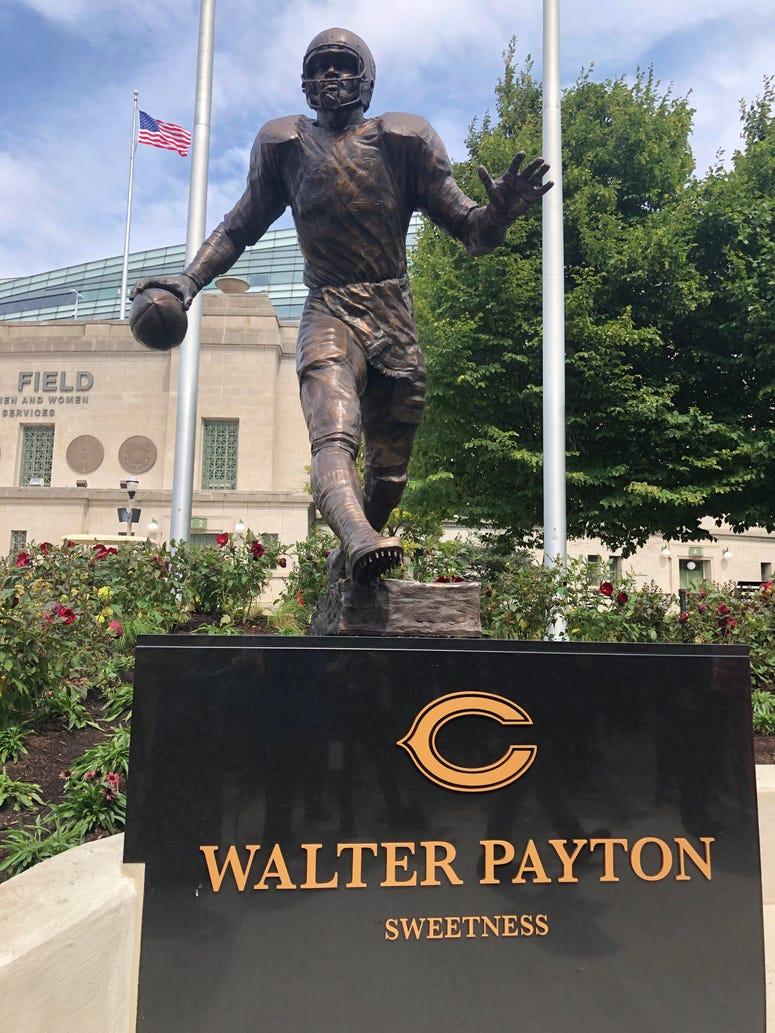 Walter Payton statue