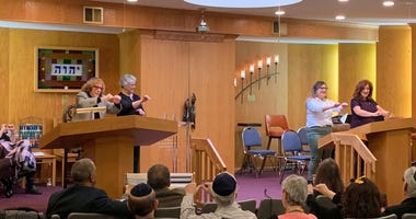 Rabbi Douglas Goldhamer founded Bene Shalom in Skokie 47 years ago.