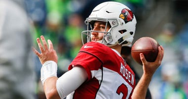 Arizona Cardinals quarterback Josh Rosen warms up