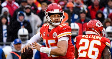 Chiefs quarterback Patrick Mahomes drops back to pass against the Colts.