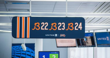 Chicago Bears take over United Airlines gates at O'Hare's Terminal 1