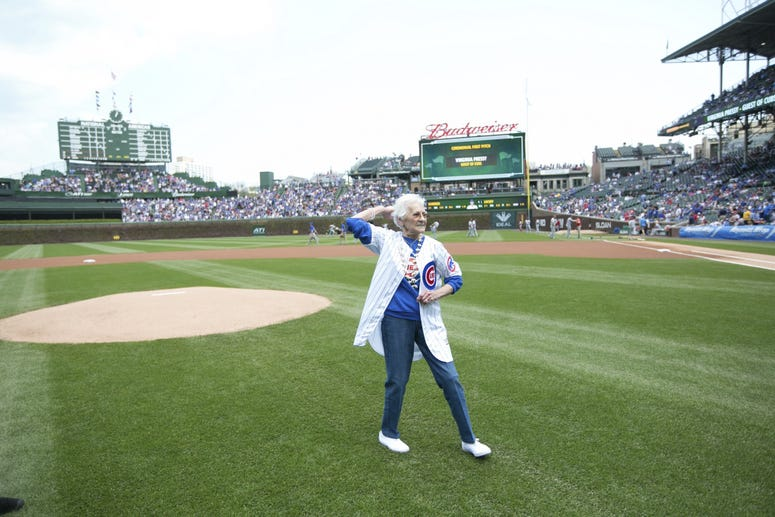 Cubs organist, Gary Pressy's mother Virginia throws out first pitch