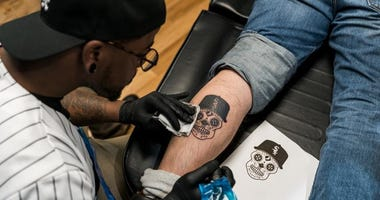 The Chicago White Sox held a free one-hour tattoo session for 30 randomly selected fans in celebration of Opening Day on Wednesday, March 27th.