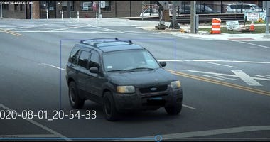 Uber Eats driver carjacked in Riverside; police seeking armed suspects
