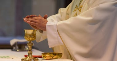 Archdiocese Of Chicago Releases Guidelines For Holy Week Amid COVID-19 Pandemic