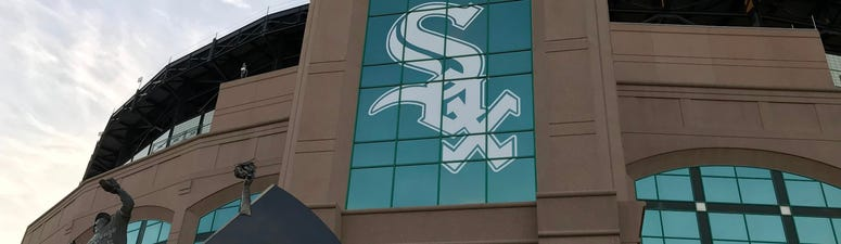 White Sox Deliver Lunch To 10 Firehouses, CFD Headquarters