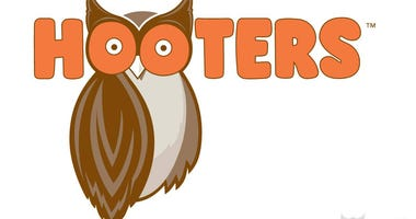 Shots fired at Hooters in Lansing, no one hurt