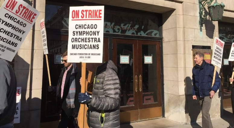 Striking Chicago Symphony Orchestra musicians