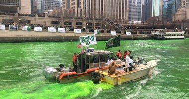 Workers dye Chicago River for St. Patrick's Day