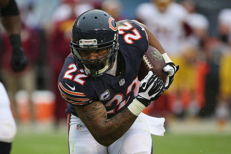 Matt Forte #22 of the Chicago Bears runs the ball in the third quarter against the Washington Redskins at Soldier Field on December 13, 2015 in Chicago, Illinois.