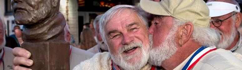 Retired Banker Snares Hemingway Look-Alike Honor In Key West