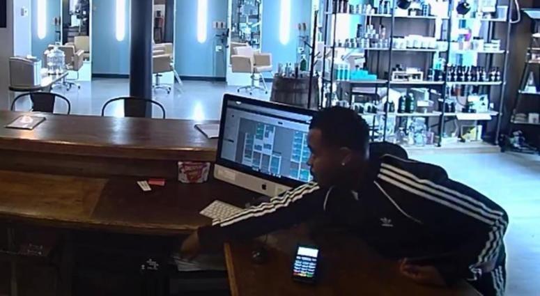 Printers Row salon robbed while stylist cut hair