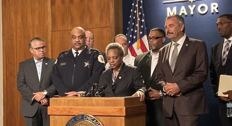 Mayor Lori Lightfoot named former LAPD Chief Charlie Beck theinterim Chicago police superintendent.