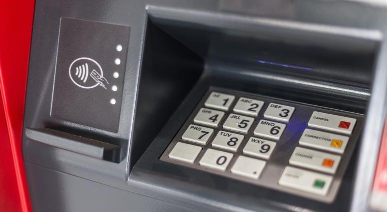 ATM Skimmer Discovered At Loop Target | WBBM-AM