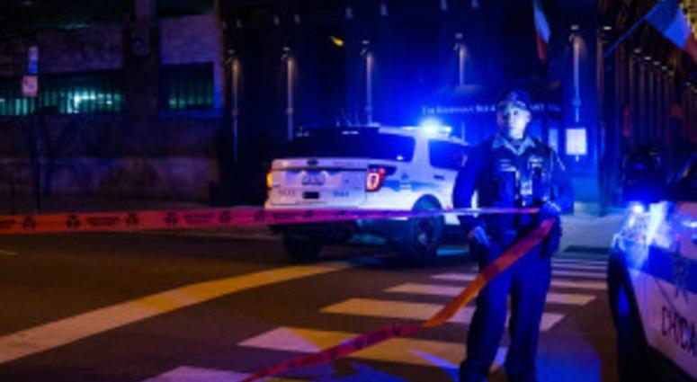 Off-duty cop shot